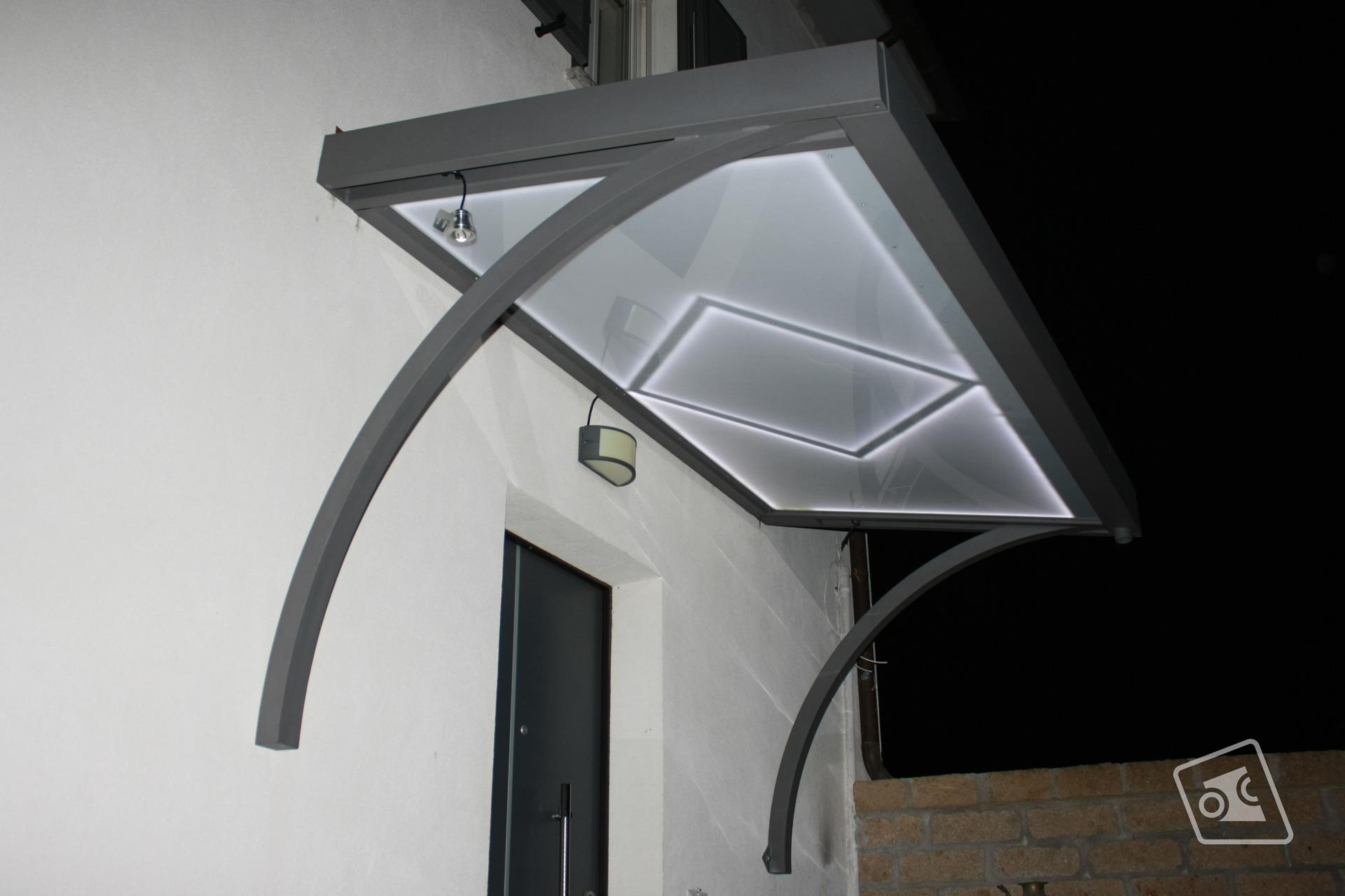 web_pensilina-con-illuminazione-led